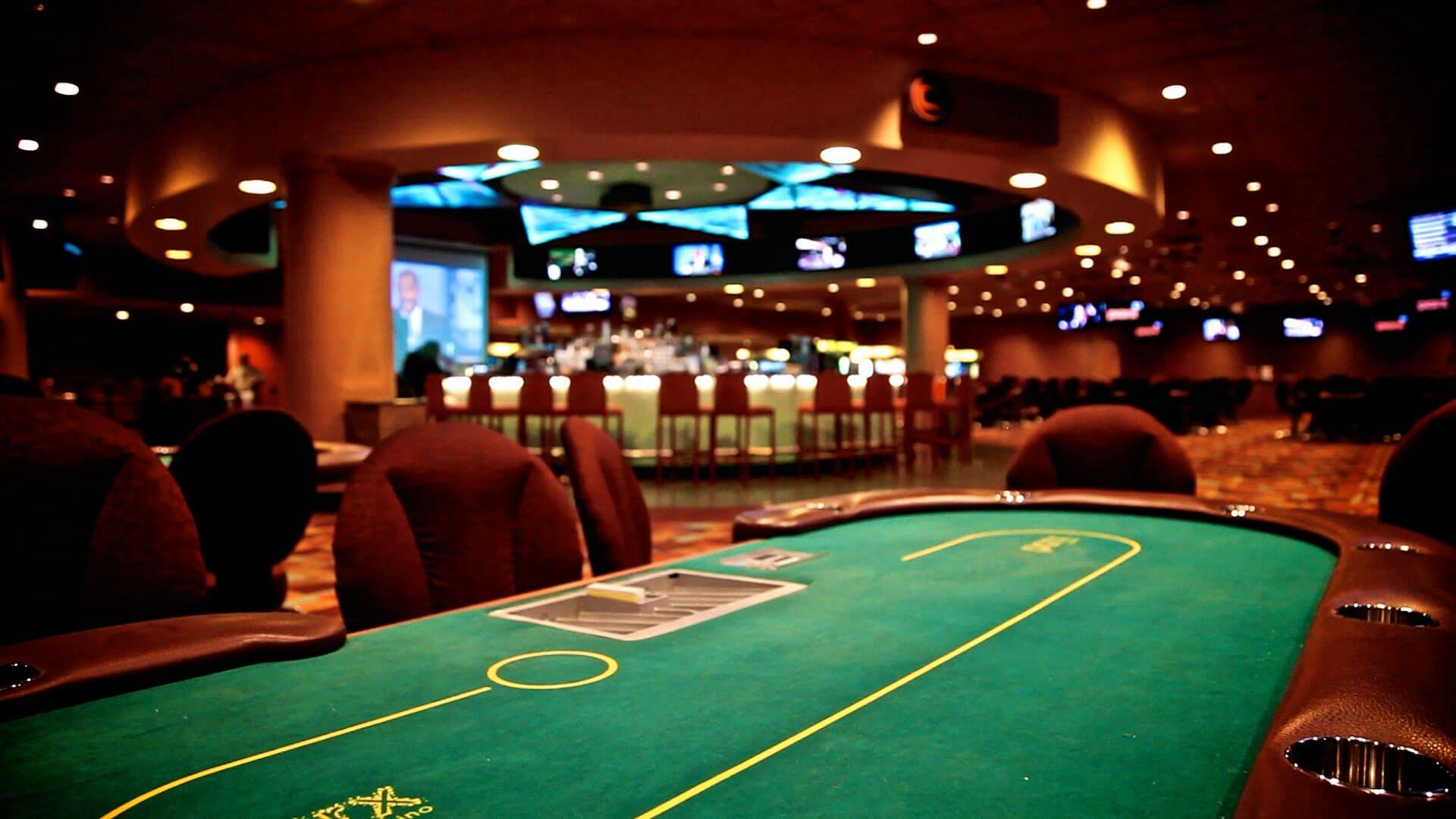 giocare a poker su siti stranieri Pro e Contro
